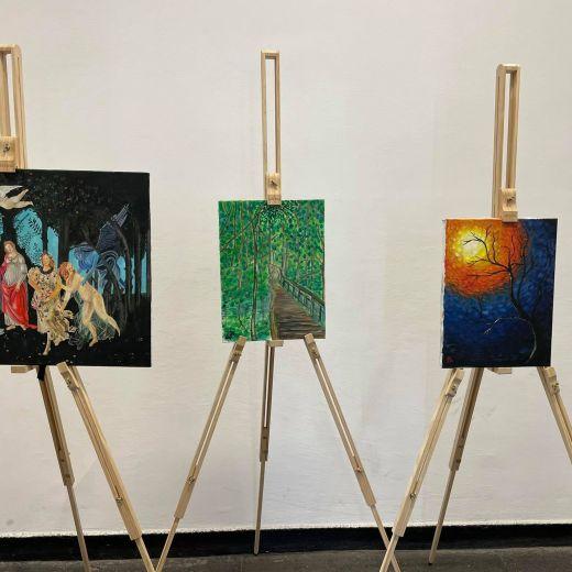 Изложба на ученици с рисунки и репродукции в края на учебната 2020-2021 година
